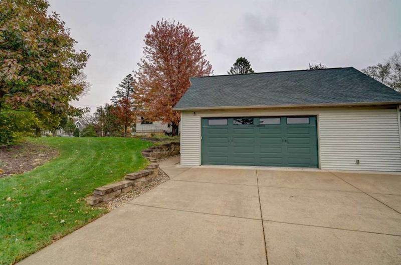 Photo -31 - 120 N Grove St Mount Horeb, WI 53572