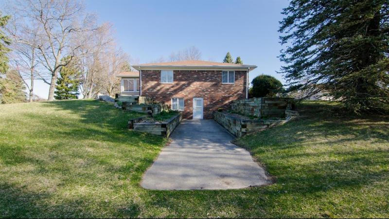 Listing Photo for 1920 Suncrest Drive