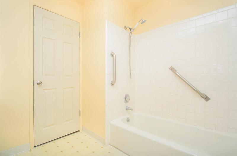 Listing Photo for 3088 Williamsburg