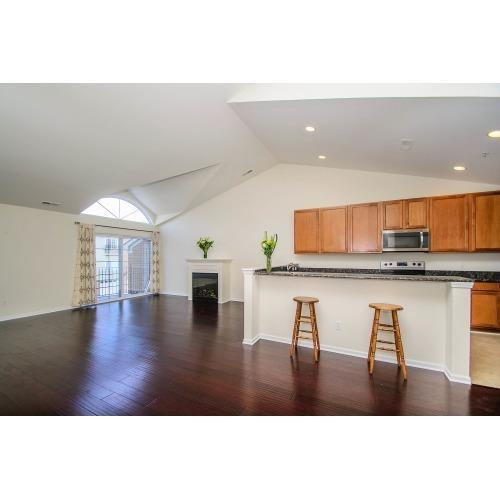 Listing Photo for 119 W Oakbrook Drive