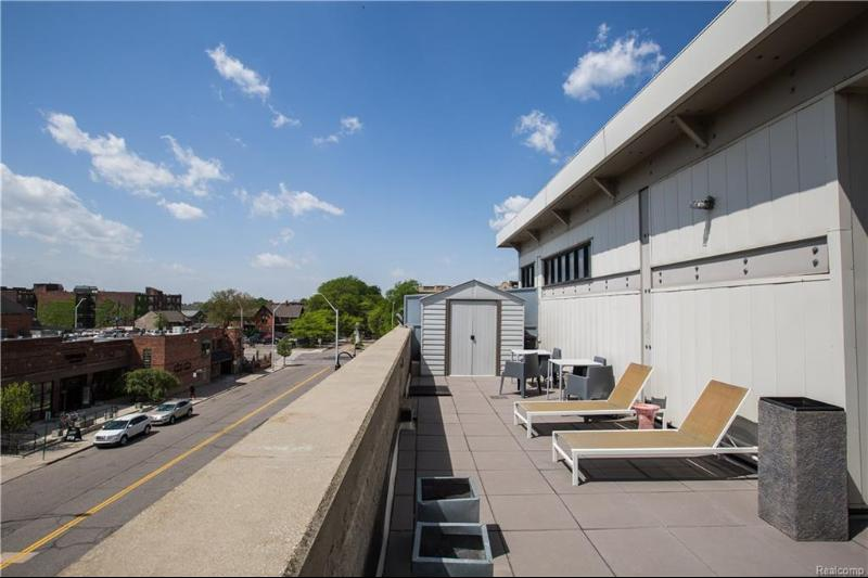 Listing Photo for 460 W Canfield #215 St