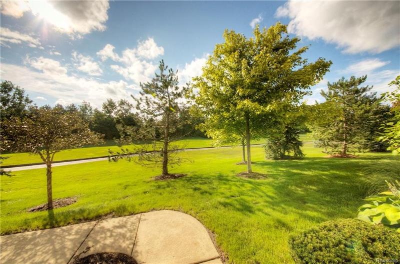 Listing Photo for 2102 Pinecroft Dr