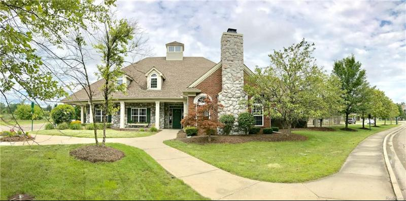 Listing Photo for 14108 Pinehurst Ln