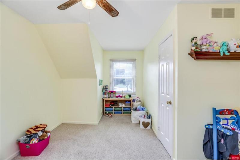 Listing Photo for 1452 Royal Crescent St