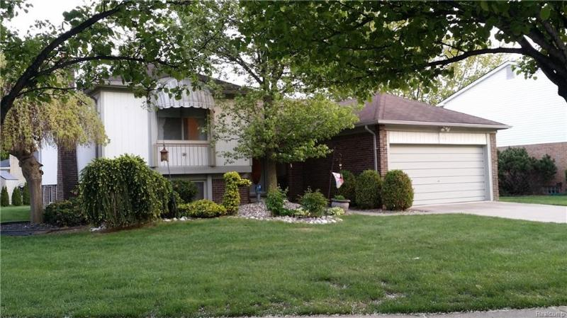 Listing Photo for 15160 Paramount Crt