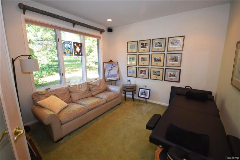 Listing Photo for 7210 Theather Crt