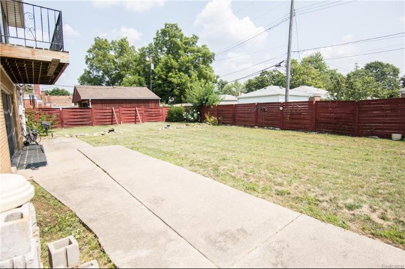 Listing Photo for 3155 Applewood Ave
