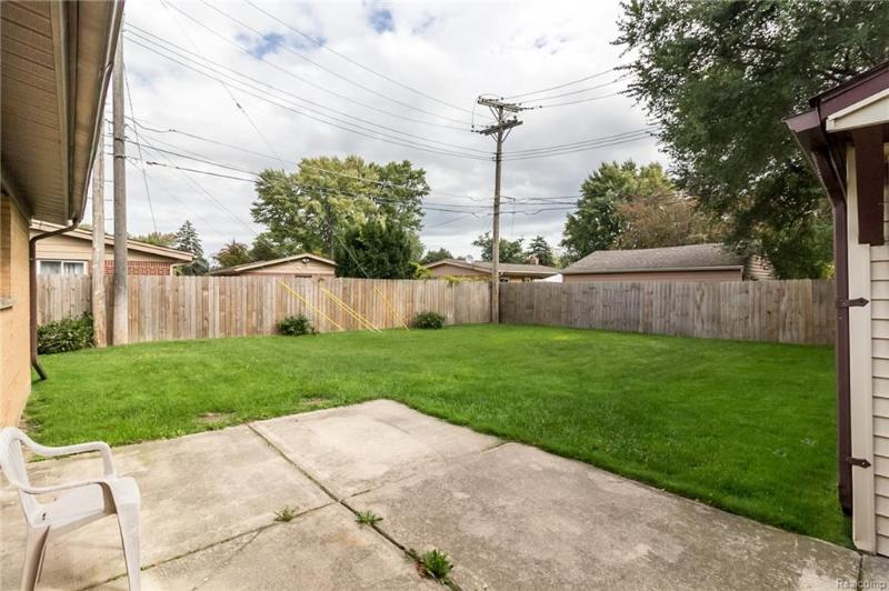 Listing Photo for 9828 Hartel St