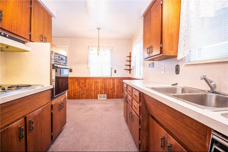Listing Photo for 8512 Cavell