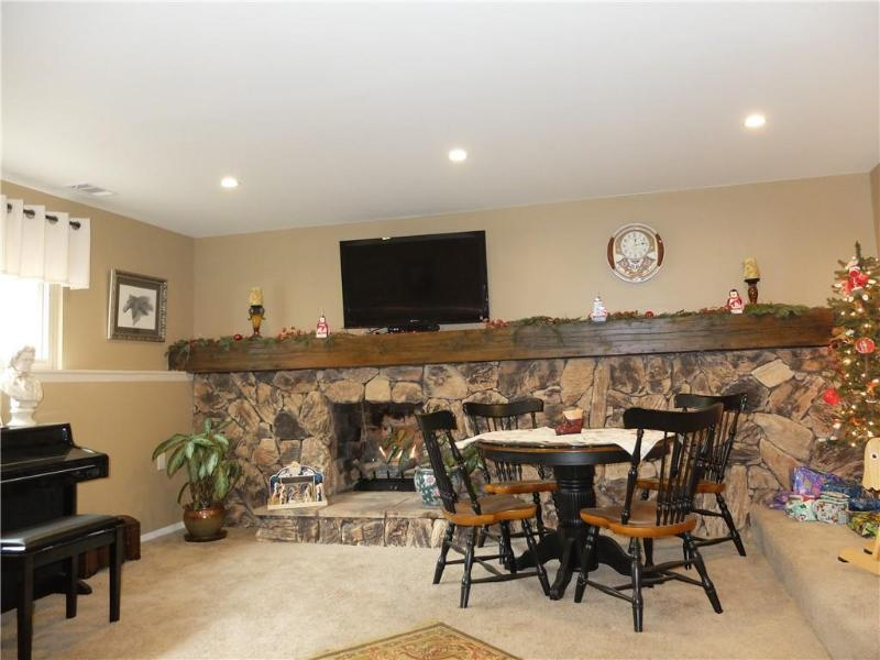 Listing Photo for 8135 Englewood Dr