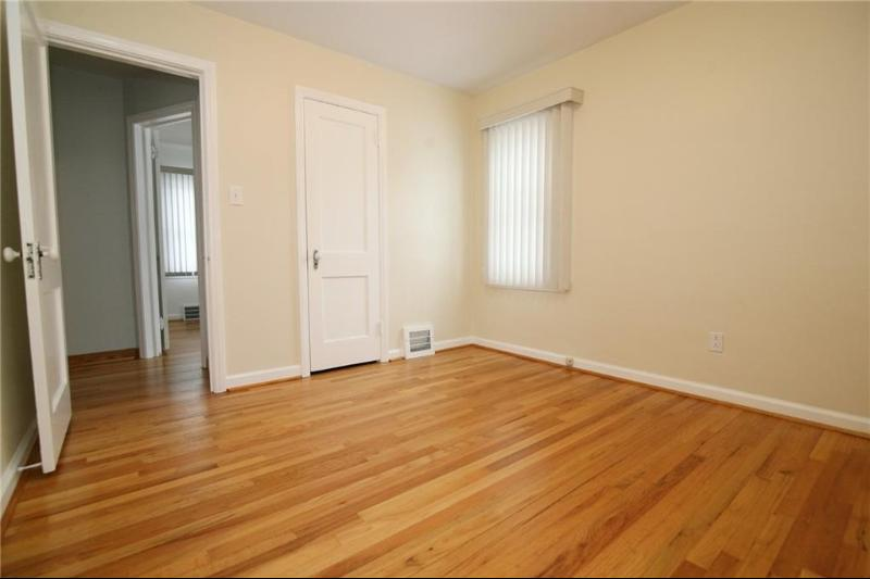 Listing Photo for 706 N Gainsborough Ave
