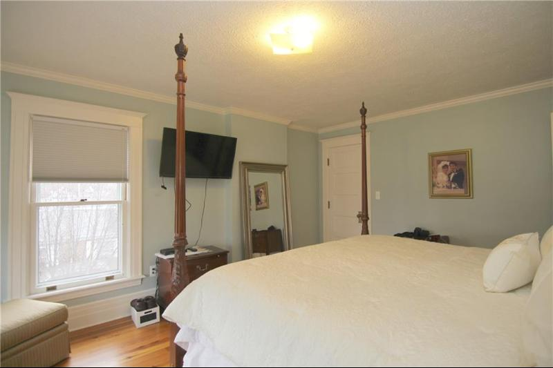 Listing Photo for 28 W Burdick St