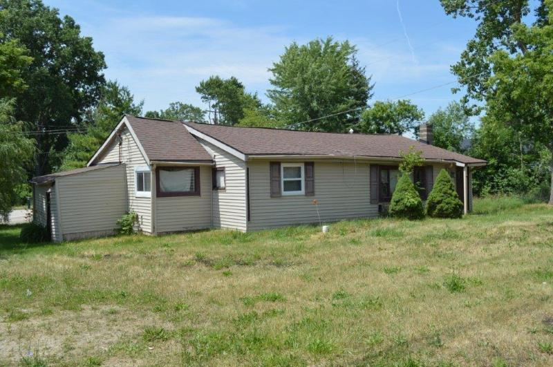 Listing Photo for 5027 W Grand River Rd