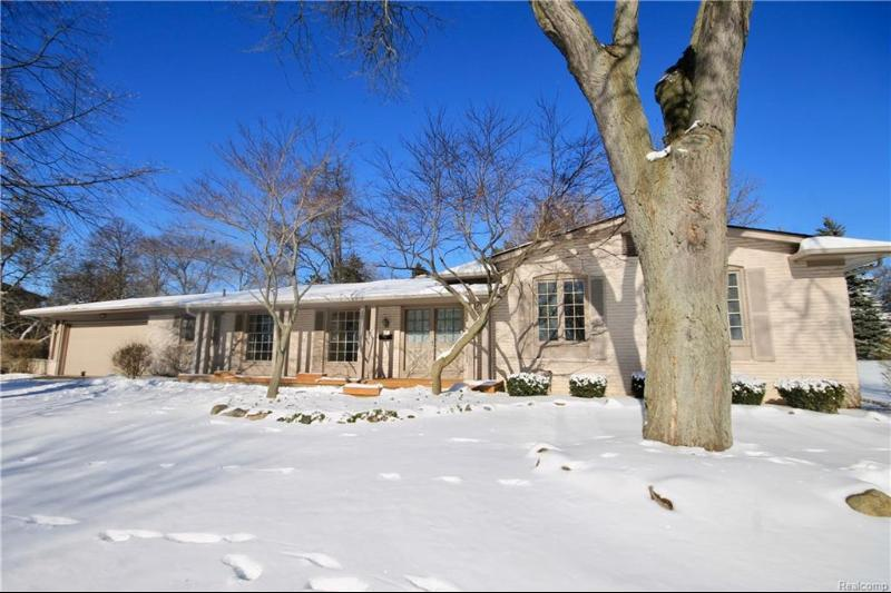 Listing Photo for 3082 Bloomfield Shore Dr