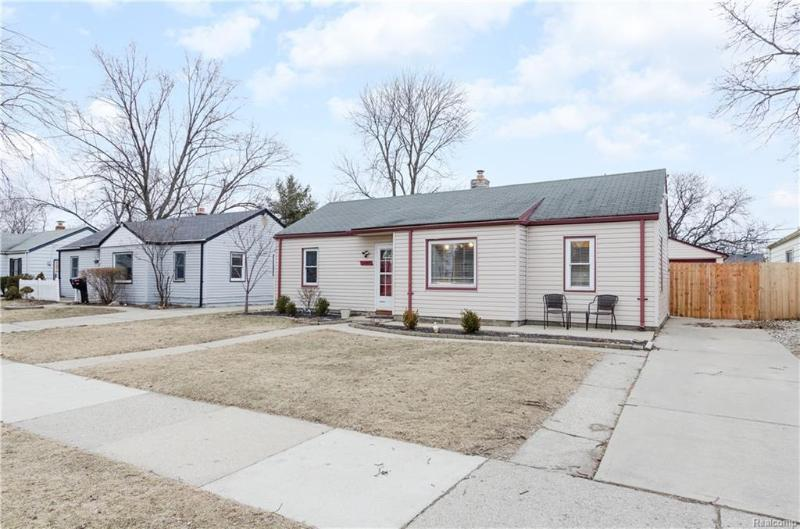 Listing Photo for 14957 Irene St
