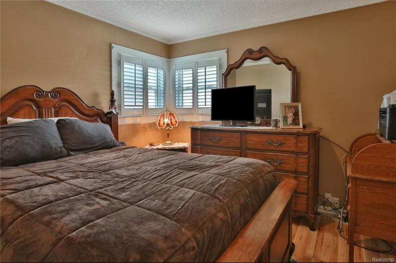 Listing Photo for 18226 Wendy Crt