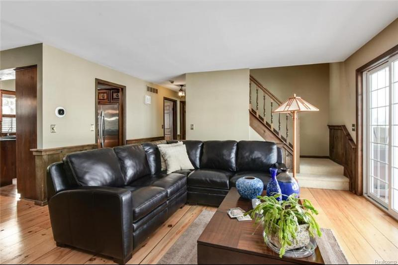 Listing Photo for 9370 Silverside