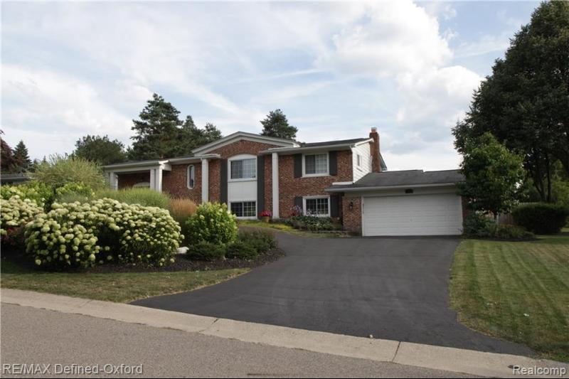 Listing Photo for 4736 S Valleyview Rd S