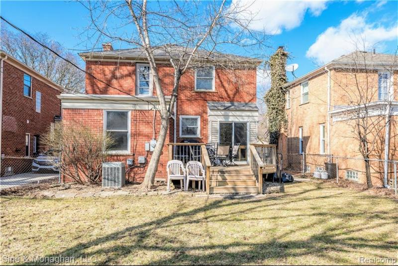Listing Photo for 13313 Victoria Ave