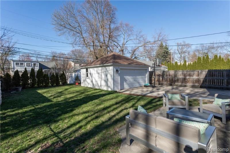 Listing Photo for 10504 Elgin Ave
