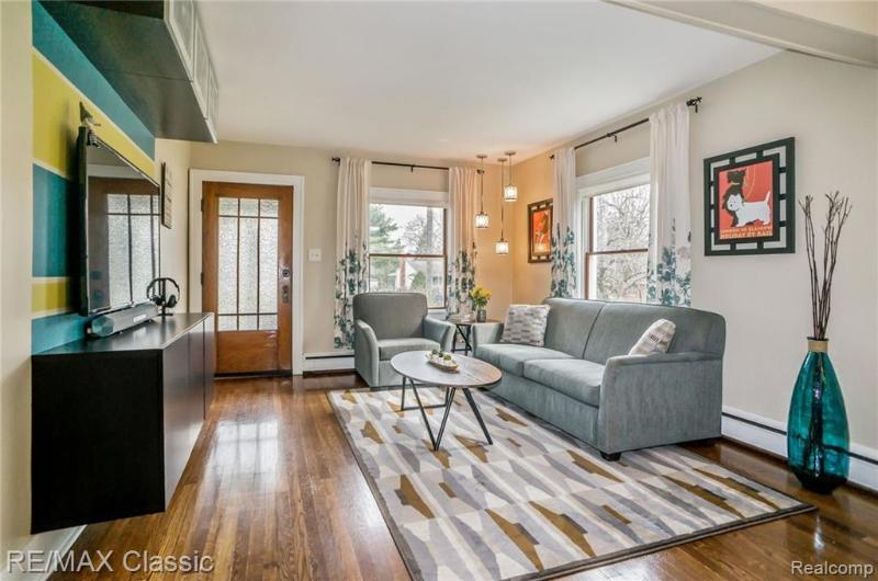 Listing Photo for 231 W Lafayette St