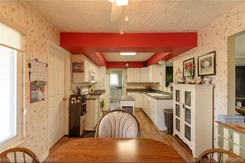 Listing Photo for 1188 James R St
