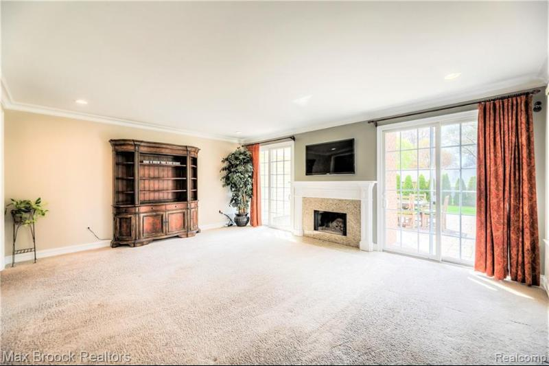 Listing Photo for 600 Roanoke Dr