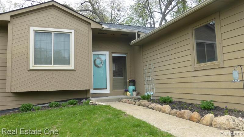 Listing Photo for 391 Clairemont Dr
