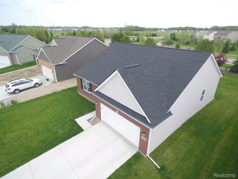Listing Photo for 7047 Creekway Crt