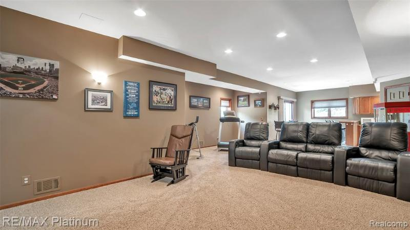 Listing Photo for 8785 Southridge Drive