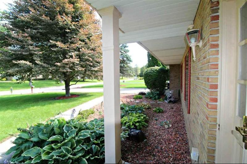 Listing Photo for 1095 Briarcliffe Drive