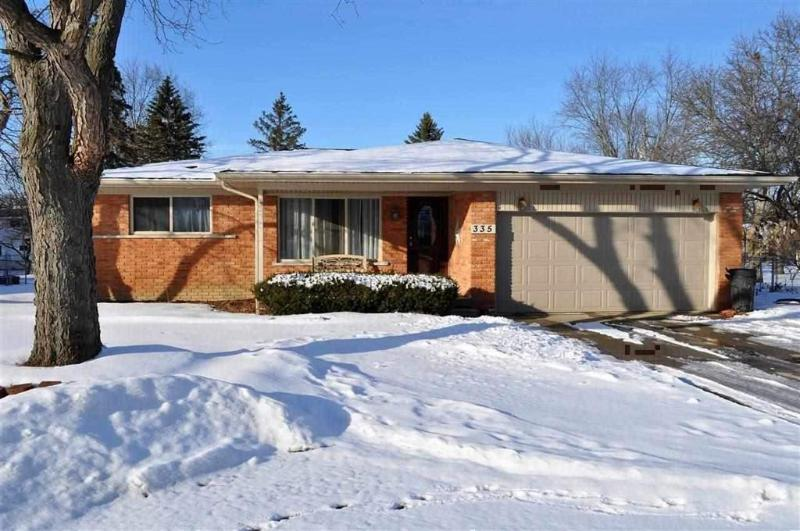 Listing Photo for 335 E River Road