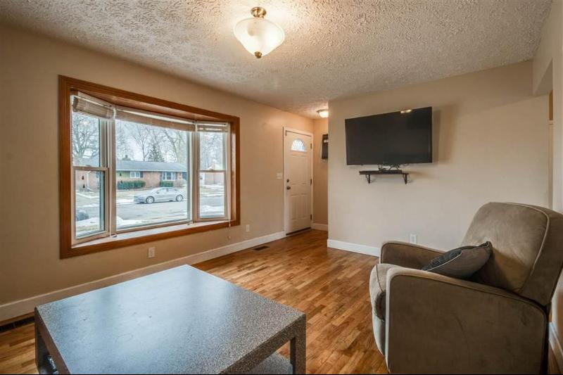 Listing Photo for 1031 Watson