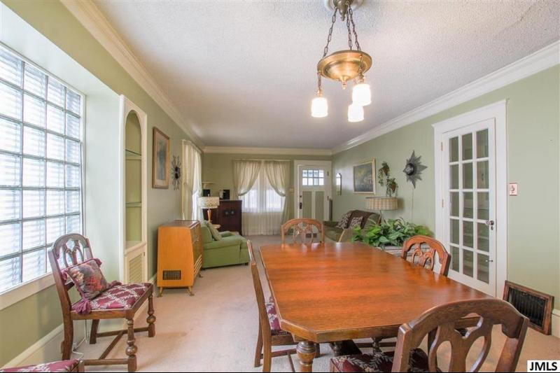 Listing Photo for 727 Loomis