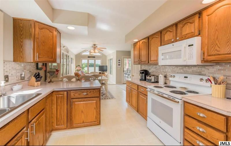 Listing Photo for 7764 Wexford Ct