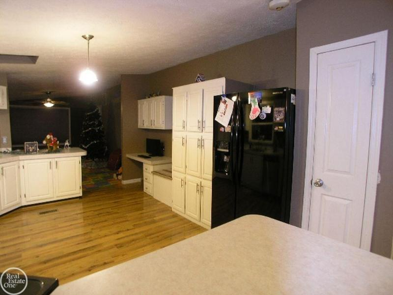 Listing Photo for 7560 Ravenswood