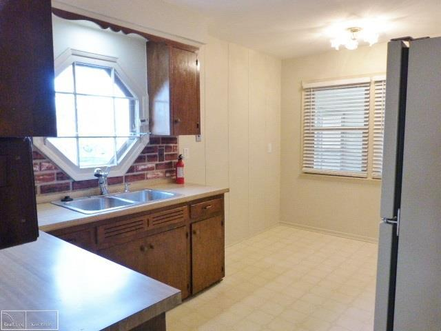 Listing Photo for 482 Lexington