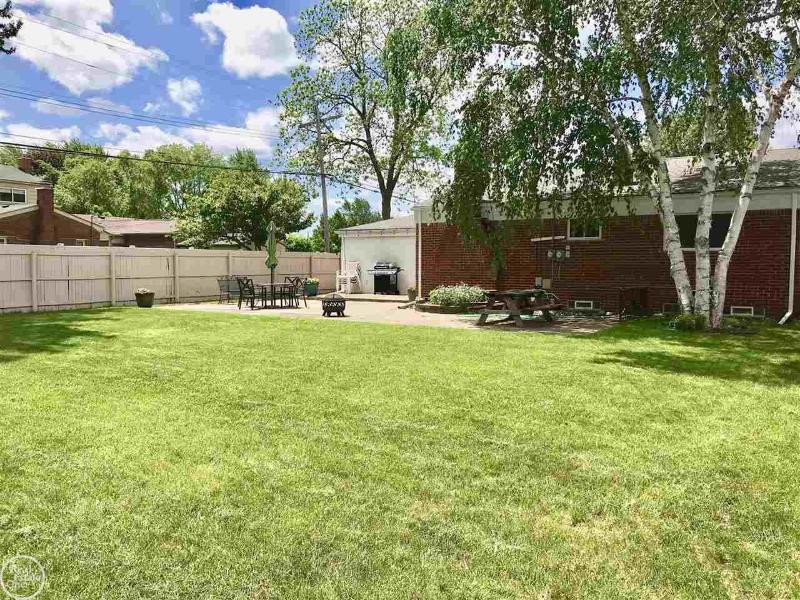 Listing Photo for 39632 Karola Dr