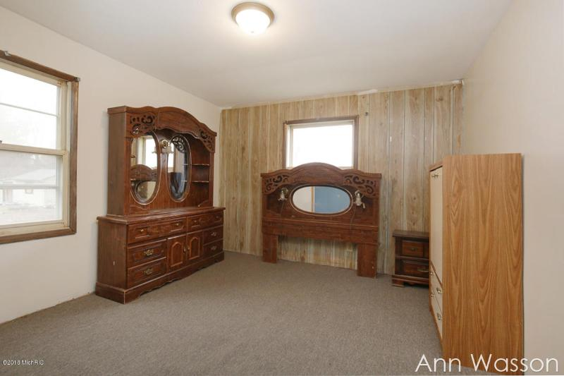 Listing Photo for 261 S 5th