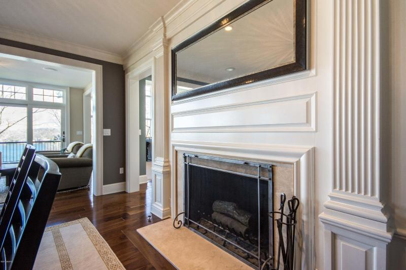 Listing Photo for 2929 Bonnell Avenue