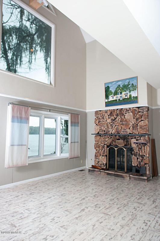 Listing Photo for 5372 Lake Shore Drive