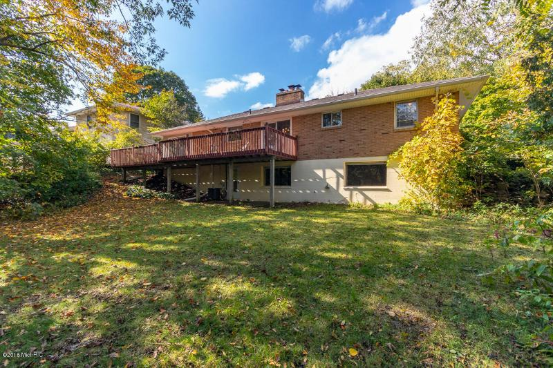 Listing Photo for 1564 Woodcliff Drive