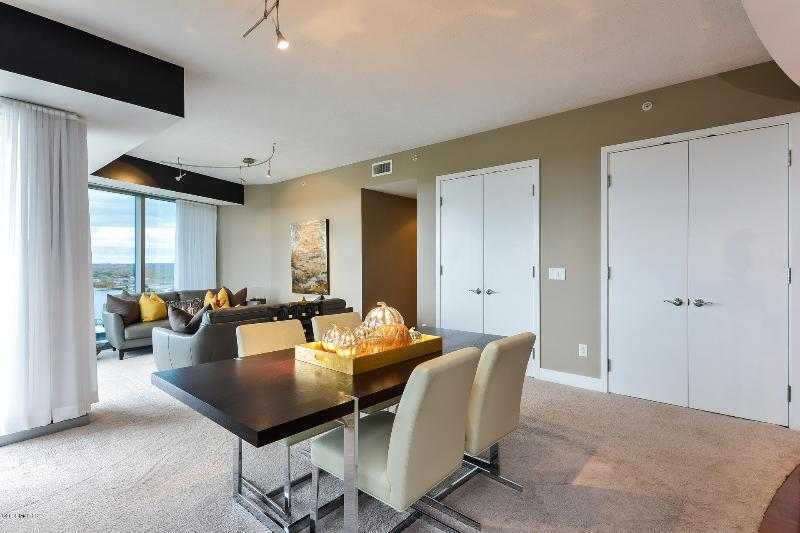 Listing Photo for 335 Bridge Street 2507