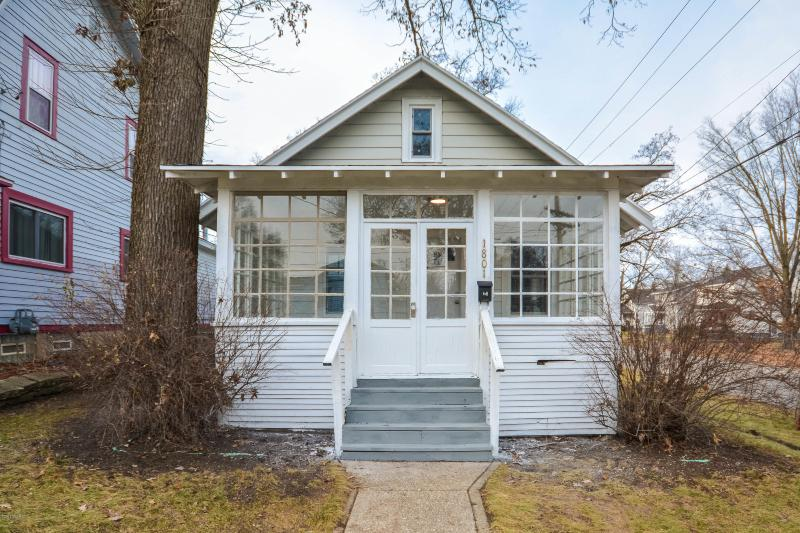 Listing Photo for 1801 Newark Avenue
