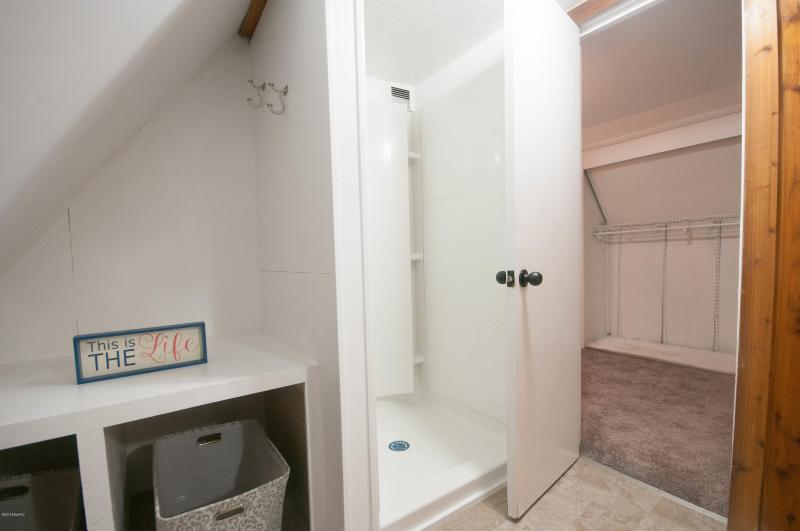 Listing Photo for 866 E 24th Street