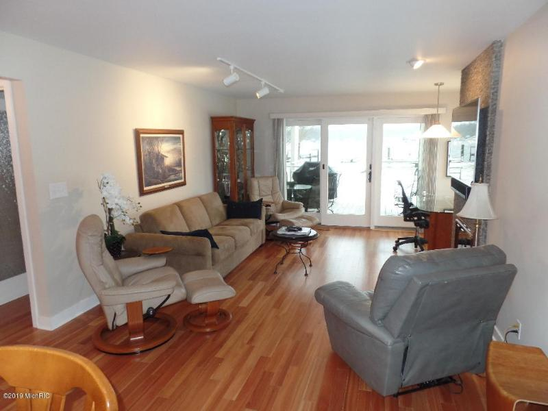 Listing Photo for 983 Lake Street Unit 16