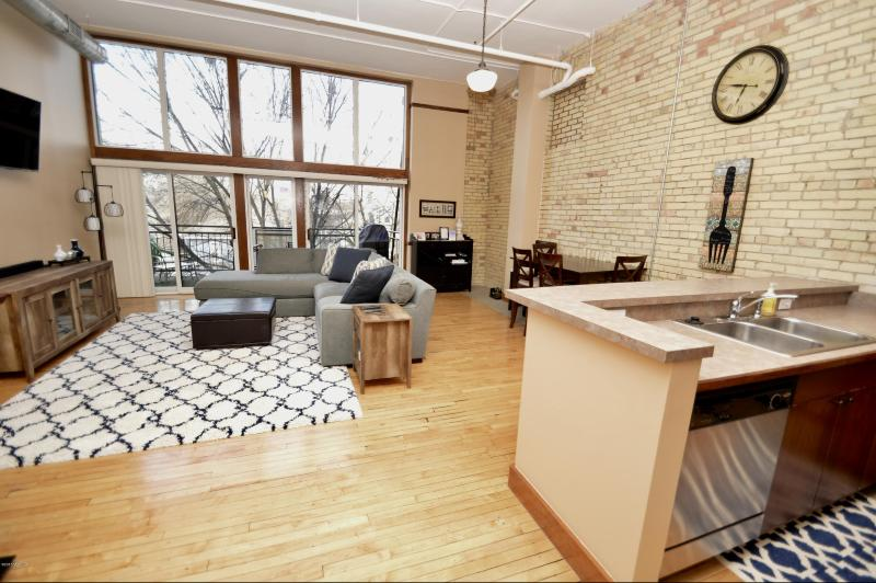 Listing Photo for 600 Broadway Avenue 308