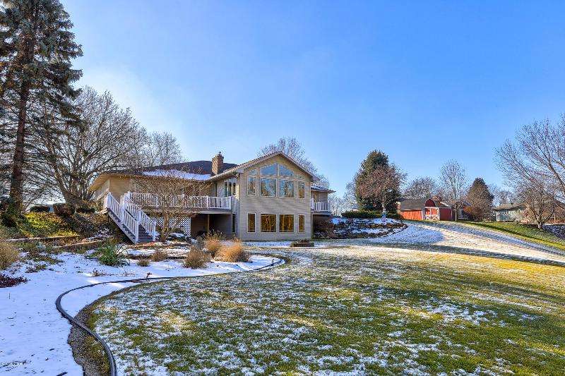 Listing Photo for 10465 Brookview Drive