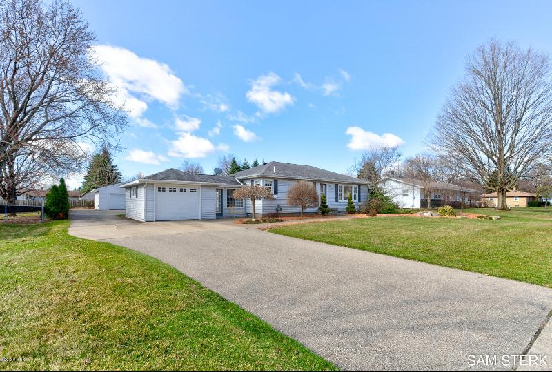 Listing Photo for 2340 Rosewood Street