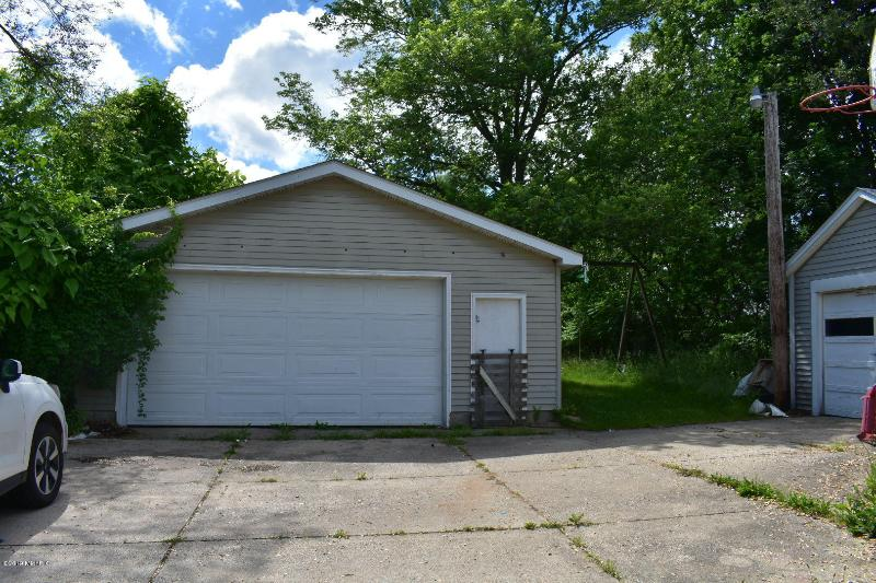 Listing Photo for 3828 S Burdick Street